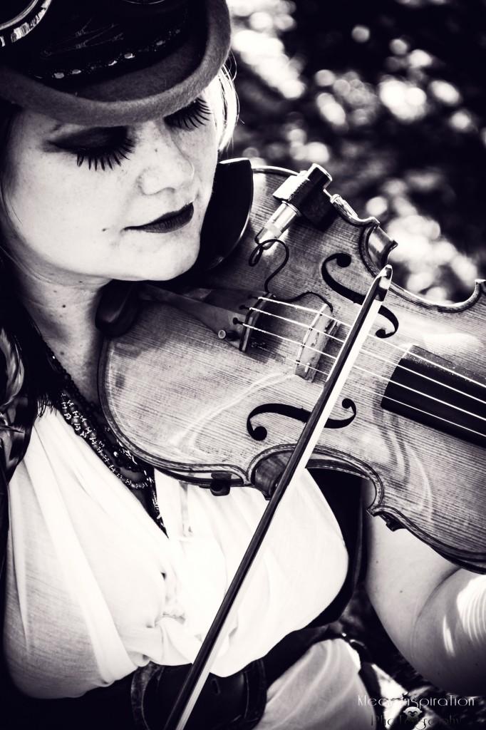 Sarah Cranberry Violin - http://www.sarahcranberryviolin.com/